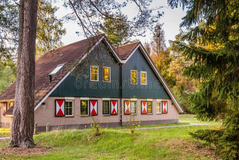 Άνετος λίγο σπίτι διακοπών στις Κάτω Χώρες στοκ φωτογραφία