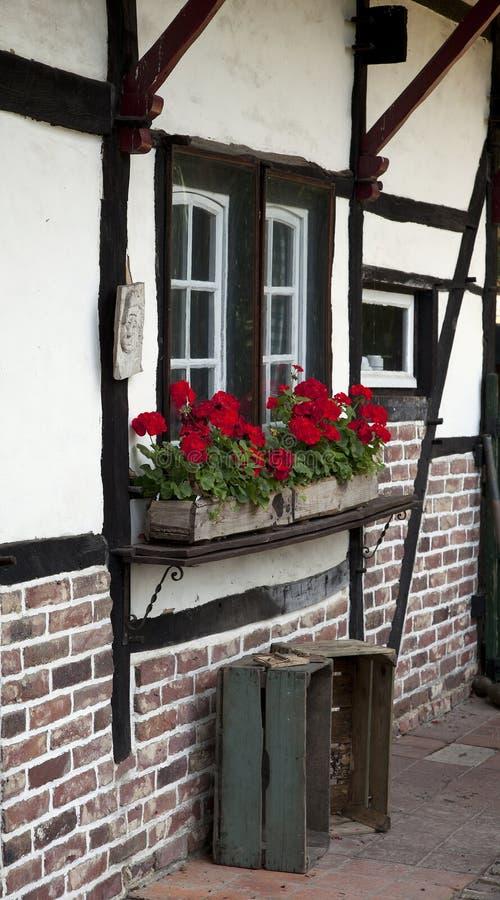 Τεμάχιο του παλαιού εφοδιασμένου με ξύλα farmhouse νότιου Limbourg στοκ εικόνες