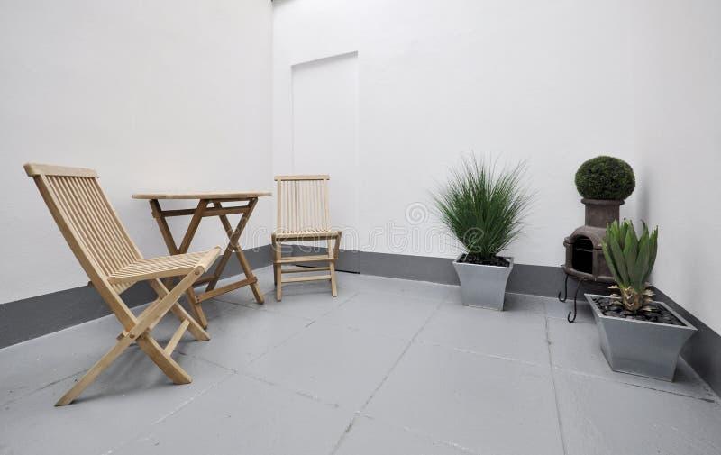 άνετο υπαίθριο patio στοκ φωτογραφία με δικαίωμα ελεύθερης χρήσης
