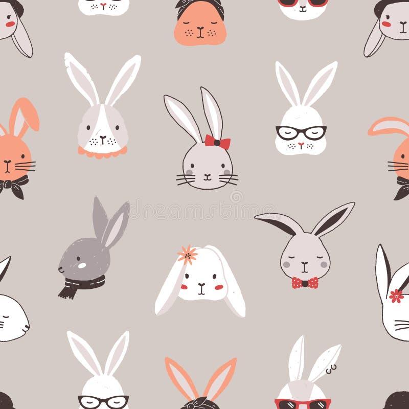 Άνευ ραφής σχέδιο με τα πρόσωπα κουνελιών στο γκρίζο υπόβαθρο Σκηνικό με τα κεφάλια των αστείων λαγουδάκι ή των λαγών που φορούν  ελεύθερη απεικόνιση δικαιώματος