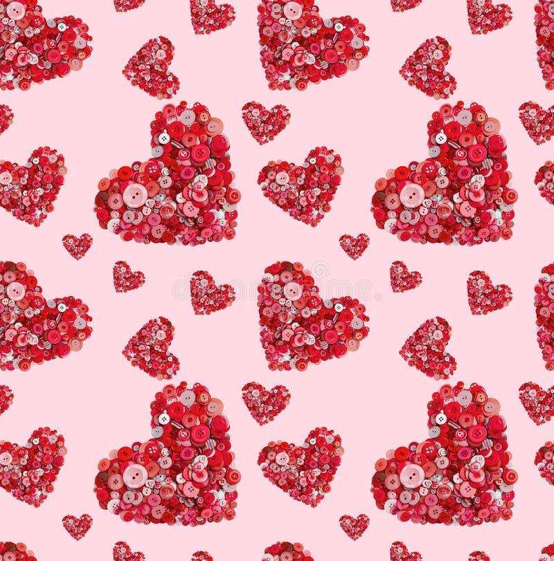 Άνευ ραφής σύσταση των κόκκινων καρδιών από τα διαφορετικά κουμπιά σε ένα ρόδινο υπόβαθρο στοκ εικόνα