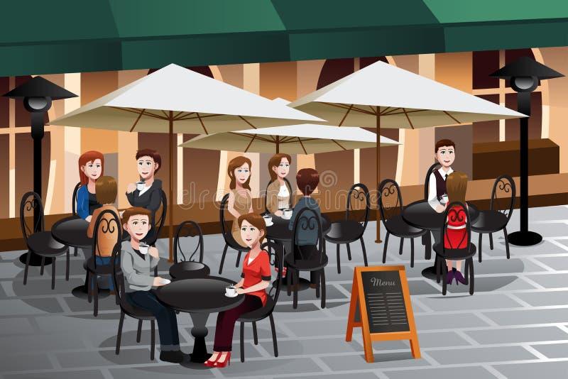 Άνθρωποι που απολαμβάνουν τον καφέ έξω από έναν καφέ ελεύθερη απεικόνιση δικαιώματος