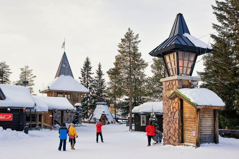 Άνθρωποι στο κύριο ταχυδρομείο Άγιου Βασίλη στο Lapland Σκανδιναβία στοκ φωτογραφίες με δικαίωμα ελεύθερης χρήσης