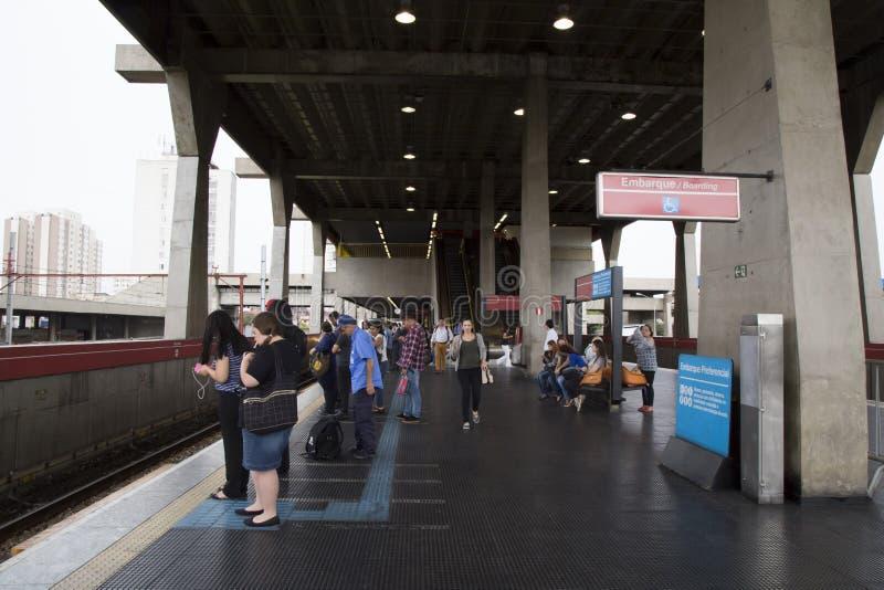 Άνθρωποι στο σταθμό μετρό Tatuape στο Σάο Πάολο στοκ φωτογραφία