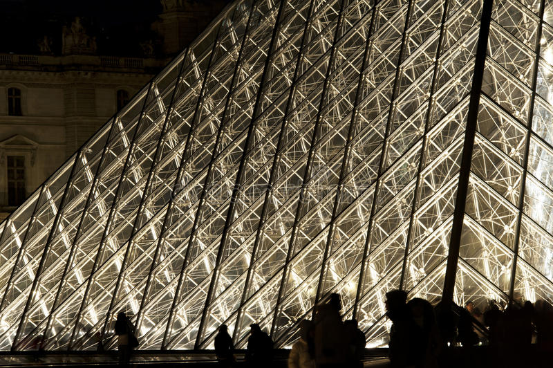 Άνοιγμα εξαερισμού πυραμίδων - Παρίσι στοκ εικόνες με δικαίωμα ελεύθερης χρήσης