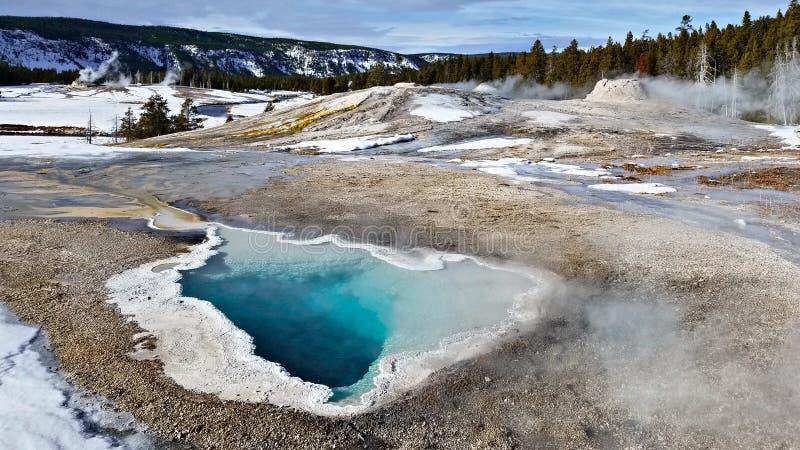 Άνοιξη καρδιών, εθνικό πάρκο Yellowstone το χειμώνα στοκ εικόνα με δικαίωμα ελεύθερης χρήσης