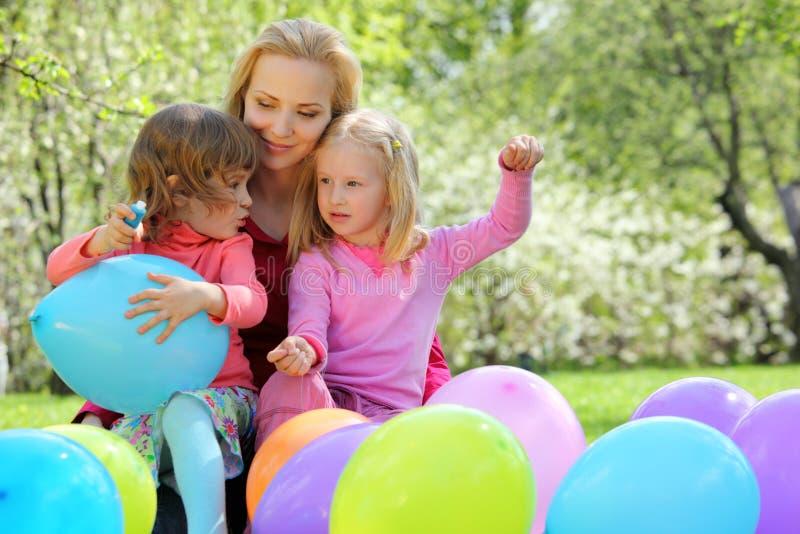 άνοιξη μητέρων κορών μπαλον&iota στοκ φωτογραφίες με δικαίωμα ελεύθερης χρήσης