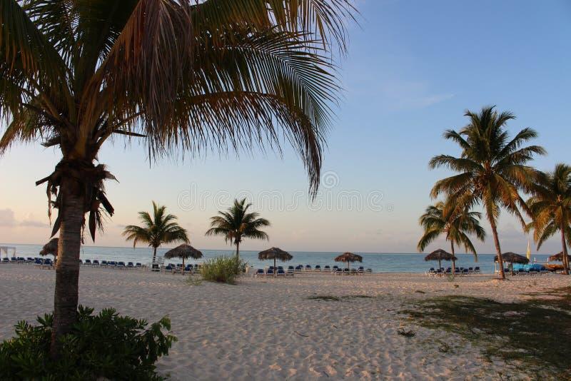 Άνοδος ήλιων στην παραλία #2 στοκ εικόνες με δικαίωμα ελεύθερης χρήσης