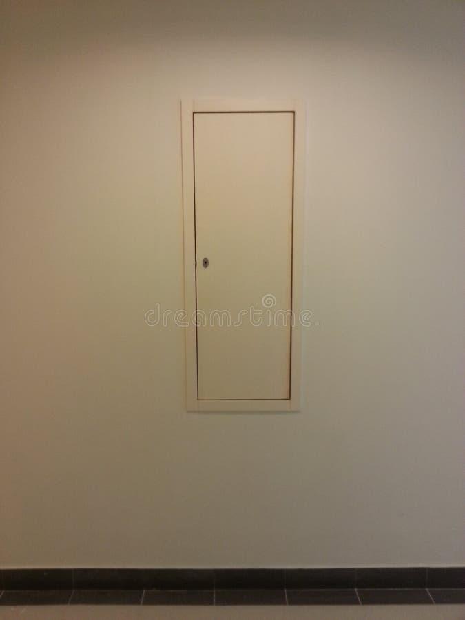 Άξονας υπηρεσιών στο διάδρομο στοκ εικόνα