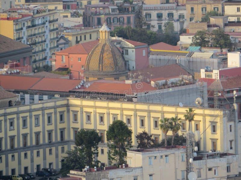 Άποψη άνωθεν - ολόκληρη η πόλη Ιταλία Νάπολη στοκ φωτογραφία με δικαίωμα ελεύθερης χρήσης