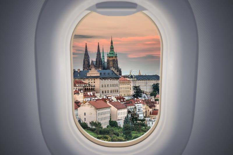 Άποψη από αεροπλάνο στο κάστρο της Πράγας στην Τσεχική δημοκρατία στοκ εικόνες με δικαίωμα ελεύθερης χρήσης
