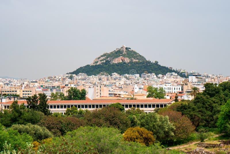 Άποψη από την ακρόπολη στη εικονική παράσταση πόλης του Hill της Αθήνας και Lycabettus, γνωστή ως Lykabettos στοκ εικόνα με δικαίωμα ελεύθερης χρήσης