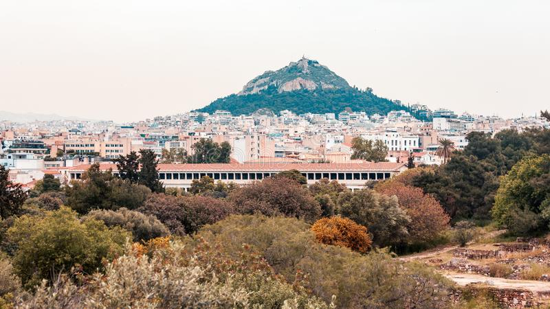 Άποψη από την ακρόπολη στη εικονική παράσταση πόλης του Hill της Αθήνας και Lycabettus, γνωστή ως Lykabettos στοκ φωτογραφία με δικαίωμα ελεύθερης χρήσης