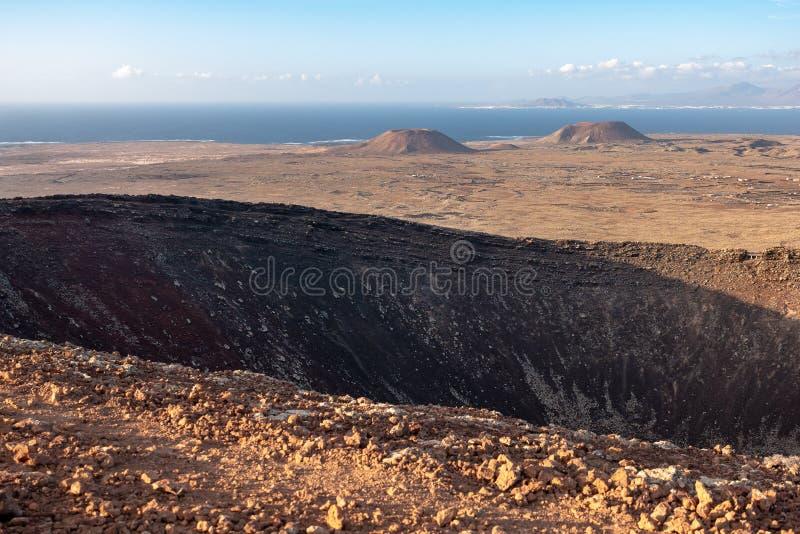 Άποψη από την κορυφή ενός ηφαιστείου στοκ φωτογραφία με δικαίωμα ελεύθερης χρήσης
