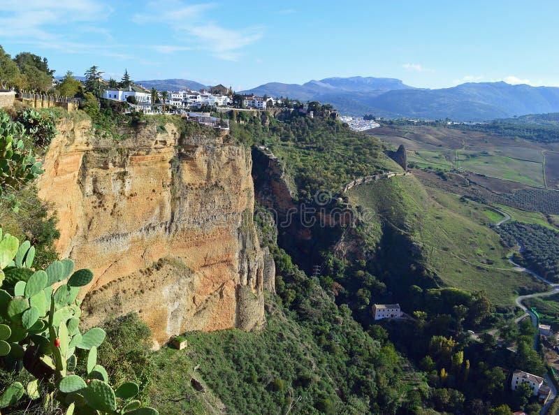 Άποψη από την παλαιά πόλη προς τη νέα πόλη στη Ronda στοκ φωτογραφίες με δικαίωμα ελεύθερης χρήσης