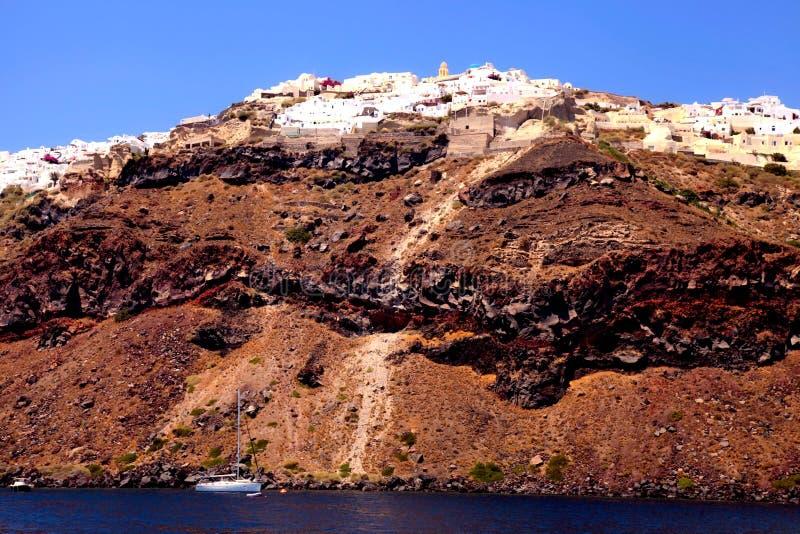 Άποψη από τη θάλασσα Oia, νησί Santorini, Ελλάδα στοκ φωτογραφία με δικαίωμα ελεύθερης χρήσης