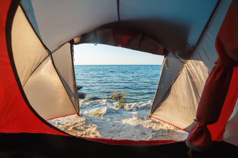 Άποψη από τη σκηνή στη θάλασσα στοκ εικόνες με δικαίωμα ελεύθερης χρήσης