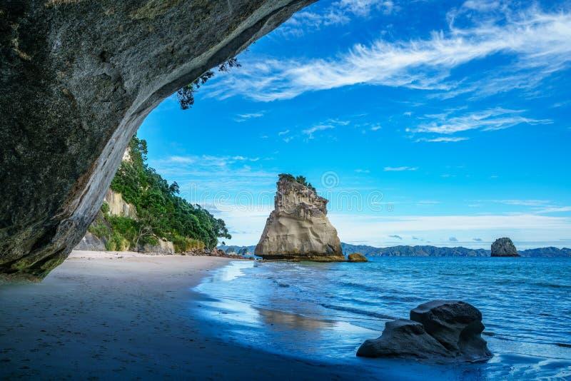 Άποψη από τη σπηλιά στον όρμο καθεδρικών ναών, coromandel, Νέα Ζηλανδία 44 στοκ εικόνες με δικαίωμα ελεύθερης χρήσης