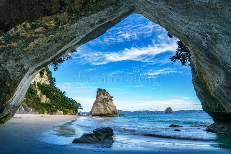 Άποψη από τη σπηλιά στον όρμο καθεδρικών ναών, coromandel, Νέα Ζηλανδία 46 στοκ εικόνες με δικαίωμα ελεύθερης χρήσης