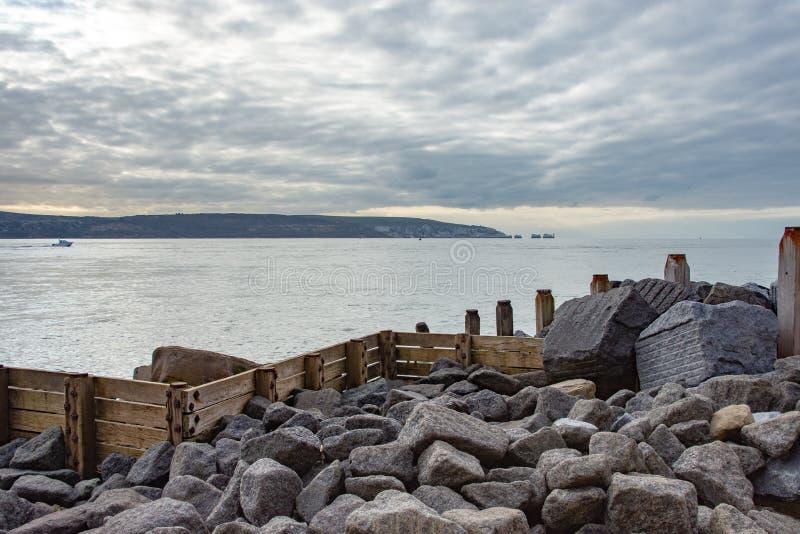 Άποψη από τον οβελό Hurst, Χάμπσαϊρ που κοιτάζει προς τις βελόνες, Isle of Wight στοκ εικόνα με δικαίωμα ελεύθερης χρήσης
