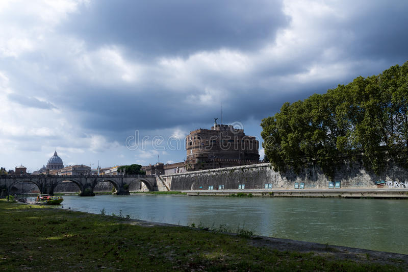 Άποψη από τον ποταμό Tiber στοκ φωτογραφία