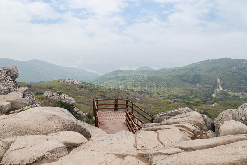Άποψη από το βουνό Geumjeongsan σε Busan στοκ φωτογραφίες