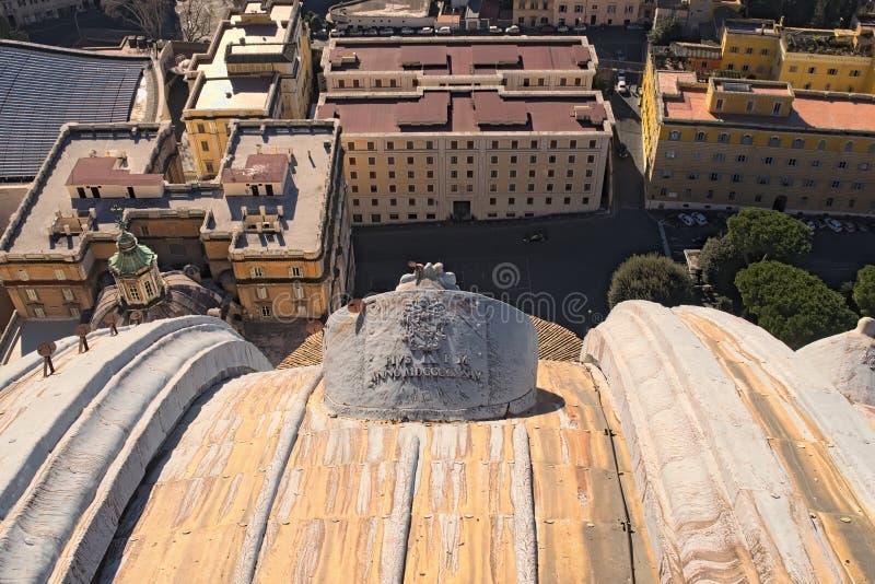 Άποψη από το θόλο της βασιλικής του ST Peter ` s σε Βατικανό στις στέγες των κτηρίων στοκ φωτογραφίες με δικαίωμα ελεύθερης χρήσης