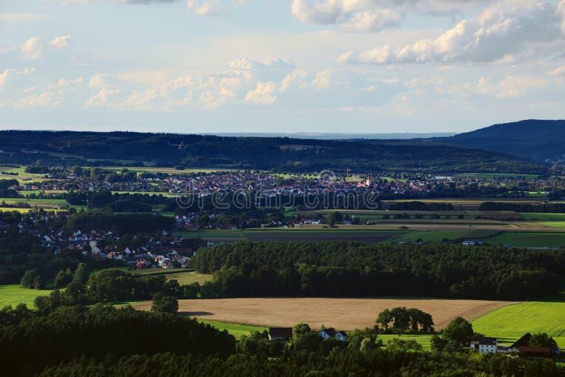 Άποψη από το κάστρο Wolfstein κοντά σε Neumarkt στο der Oberpfalz σε Loderbach στοκ φωτογραφία με δικαίωμα ελεύθερης χρήσης