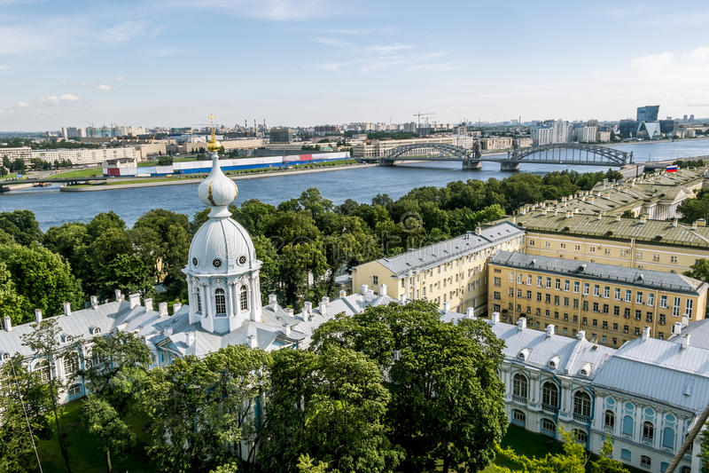 Άποψη από το καμπαναριό του καθεδρικού ναού Smolny στη Αγία Πετρούπολη στοκ φωτογραφίες με δικαίωμα ελεύθερης χρήσης