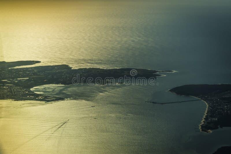 Άποψη από το παράθυρο αεροπλάνων πέρα από το λιμάνι του Σίδνεϊ, Αυστραλία στοκ εικόνα