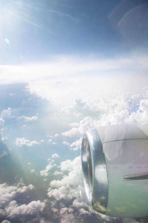 Άποψη από το παράθυρο αεροπλάνων στοκ εικόνες