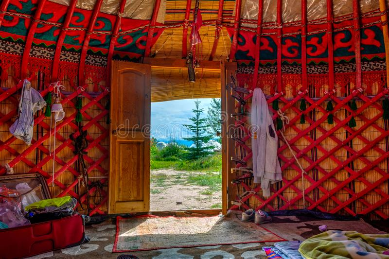 Άποψη από το yurt στο εξωτερικό, Κιργιζιστάν στοκ εικόνα