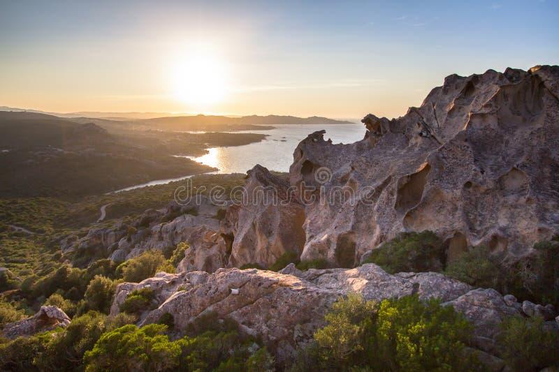 Άποψη από Capo δ Orso στην πόλη Παλάου, Σαρδηνία στοκ εικόνες