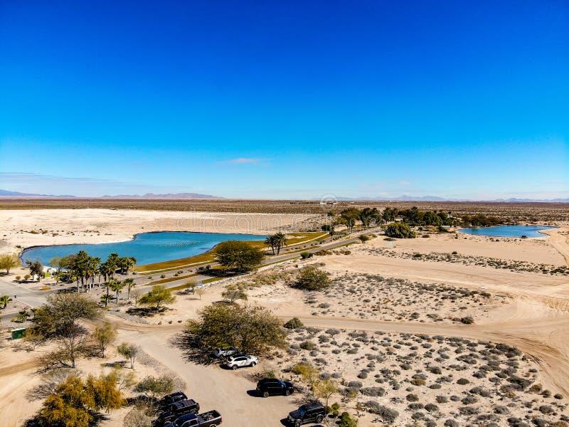 Άποψη από Islas Del Mar το γήπεδο του γκολφ που κοιτάζει προς, η βιόσφαιρα Pinacate στοκ εικόνες