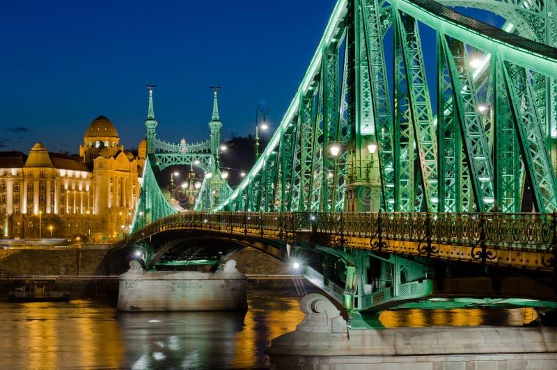 Download Άποψη γεφυρών ελευθερίας, Βουδαπέστη, Ουγγαρία Στοκ Εικόνα - εικόνα από ουγγαρία, λυκόφως: 62720221