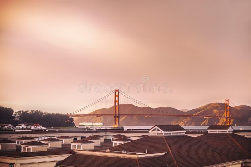 Άποψη γεφυρών Χρυσής Πολιτείας από μακριά στοκ φωτογραφίες με δικαίωμα ελεύθερης χρήσης