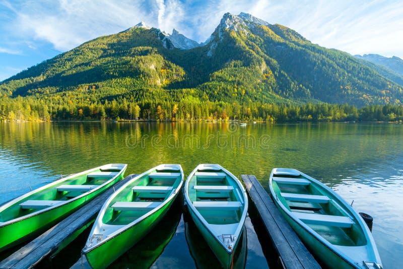 Άποψη για τη λίμνη Hintersee στο Εθνικό Πάρκο Berchtesgaden, Βαυαρικές Άλπεις, Γερμανία, Ευρώπη στοκ εικόνες με δικαίωμα ελεύθερης χρήσης