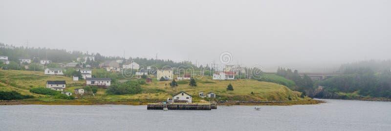 Άποψη εθνικών οδών της μικρής πόλης στην παράκτια νέα γη, Καναδάς στοκ εικόνες με δικαίωμα ελεύθερης χρήσης