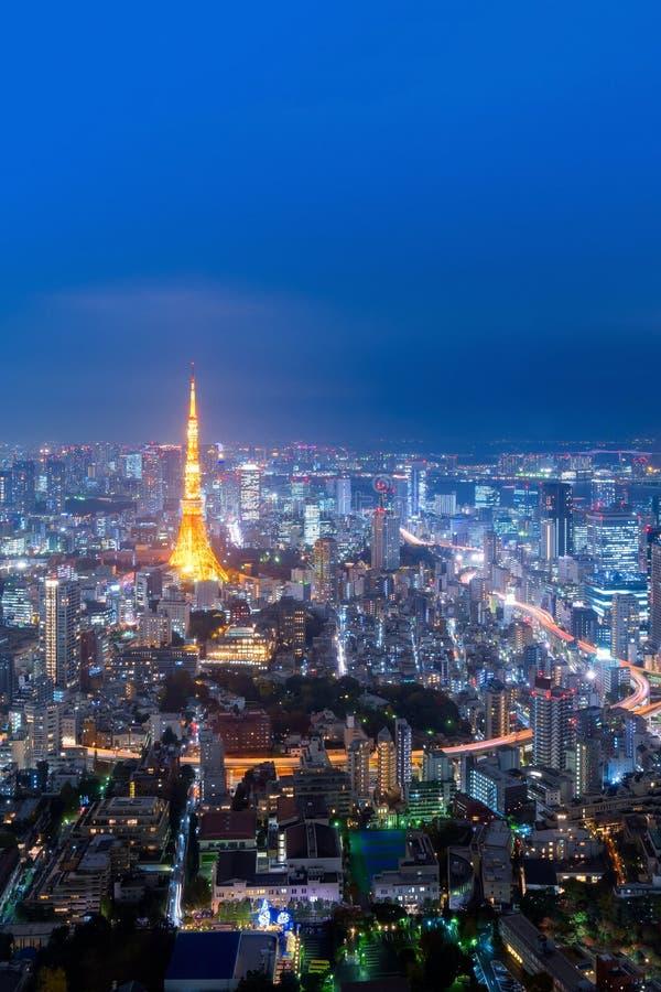 Άποψη εικονικής παράστασης πόλης πέρα από τον πύργο του Τόκιο και άποψη πόλεων του Τόκιο από Roppong στοκ φωτογραφία με δικαίωμα ελεύθερης χρήσης