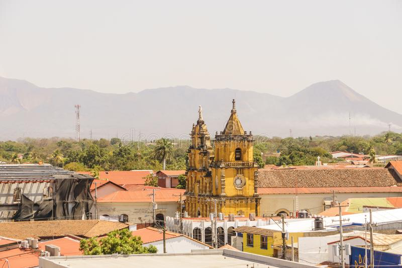 Άποψη εκκλησιών Λα Recoleccion από επάνω Leon, Νικαράγουα, Κεντρική Αμερική στοκ φωτογραφία με δικαίωμα ελεύθερης χρήσης