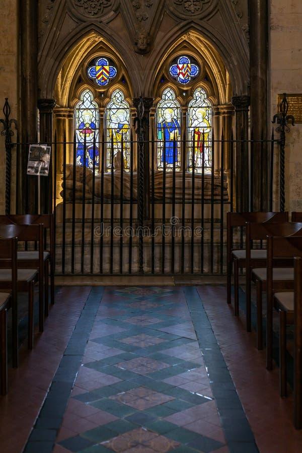Άποψη ενός μνημείου στο Walter de Merton καγκελάριος της Αγγλίας στον καθεδρικό ναό στο Ρότσεστερ επάνω στοκ φωτογραφία με δικαίωμα ελεύθερης χρήσης