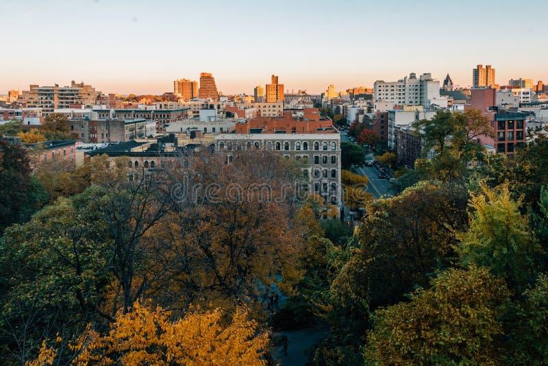 Άποψη ηλιοβασιλέματος φθινοπώρου πέρα από Harlem από τα ύψη Morningside στο Μανχάταν, πόλη της Νέας Υόρκης στοκ εικόνα με δικαίωμα ελεύθερης χρήσης