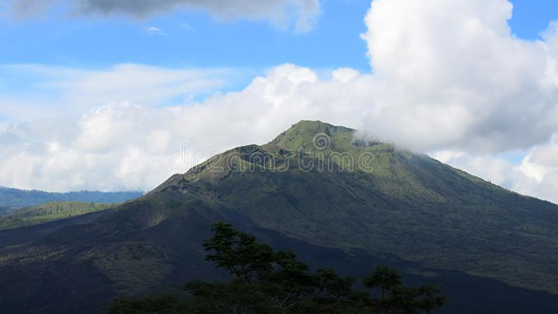 Άποψη ηφαιστειακό caldera Batur, στην περιοχή βουνών Kintamani στοκ φωτογραφία με δικαίωμα ελεύθερης χρήσης