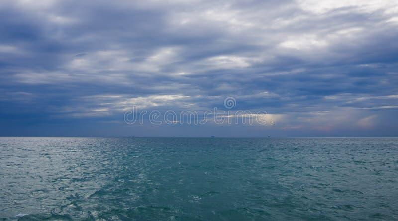 Άποψη θάλασσας από τον κόλπο της Ταϊλάνδης και του ορίζοντα στοκ εικόνες με δικαίωμα ελεύθερης χρήσης