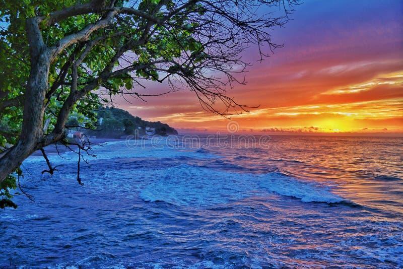 Άποψη θάλασσας στο ηλιοβασίλεμα στοκ φωτογραφία με δικαίωμα ελεύθερης χρήσης