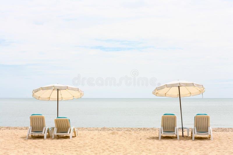 Άποψη θάλασσας σχετικά με τη χαλάρωση της ημέρας στοκ φωτογραφία