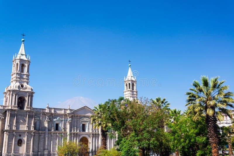 Άποψη καθεδρικών ναών Arequipa στοκ εικόνες