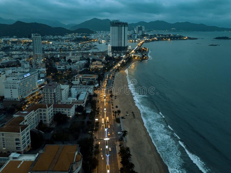 Άποψη κηφήνων κοντά της πόλης και της παραλίας στοκ φωτογραφίες με δικαίωμα ελεύθερης χρήσης