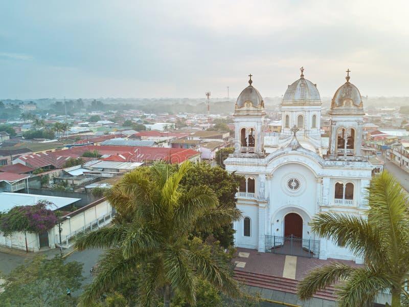 Άποψη κηφήνων σχετικά με την πόλη Diriamba στοκ εικόνες