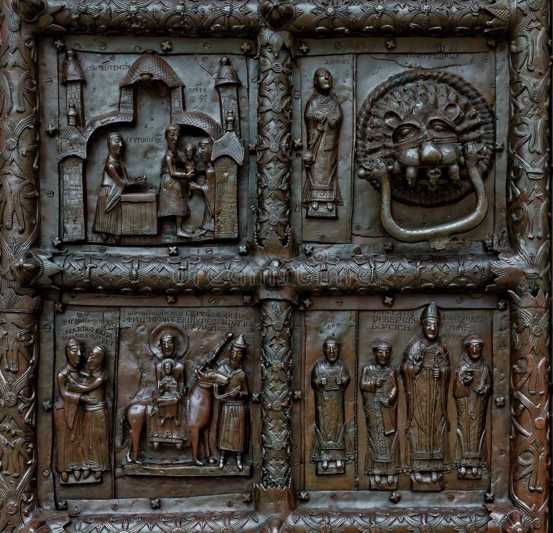 Άποψη κινηματογραφήσεων σε πρώτο πλάνο Magdeburg Γκέιτς του καθεδρικού ναού της Sophia, Veliky Novgorod, Ρωσία στοκ φωτογραφίες με δικαίωμα ελεύθερης χρήσης